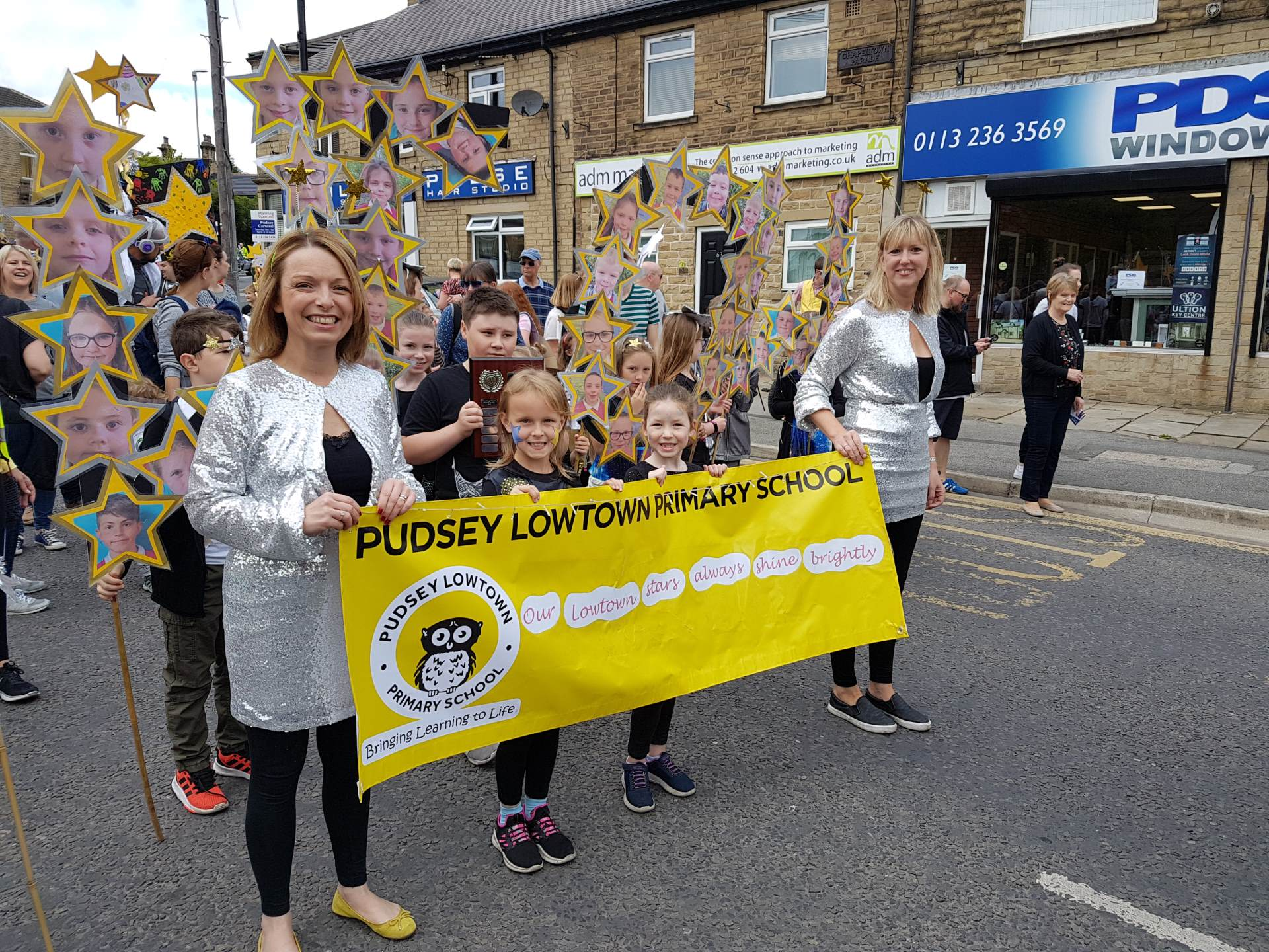 Walking float - Pudsey Carnival